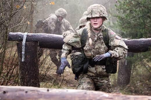 PRESSEMEDDELELSE: Forsvaret inspirerer kvinder til en karriere i uniform