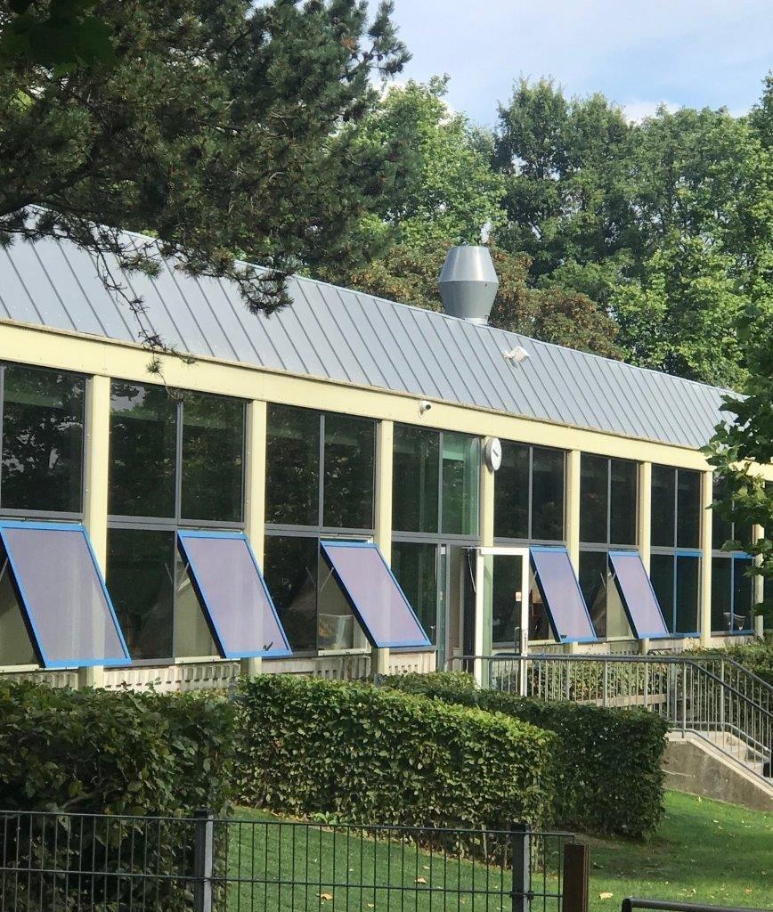 PRESSEMEDDELELSE: 4 ud af 10 danske skoler har ikke ventilationsanlæg: Eleverne smelter i varmen