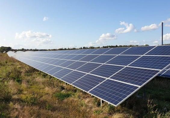 PRESSEMEDDELELSE: Nye solcelleprincipper testes på hidtil største solcellepark