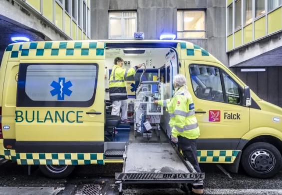"""PRESSEMEDDELELSE - Falck sætter """"blødnings-kit"""" i alle sine ambulancer"""