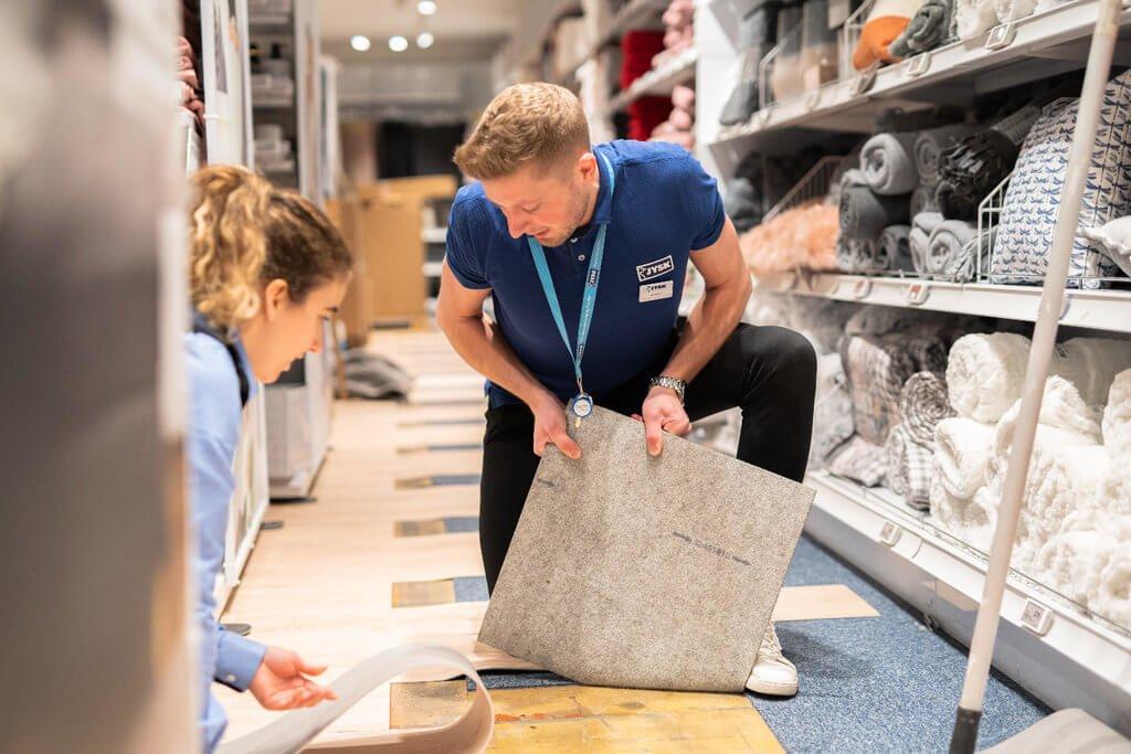 PRESSEMEDDELELSE: JYSK genåbner butik nr. 1 med ny indretning