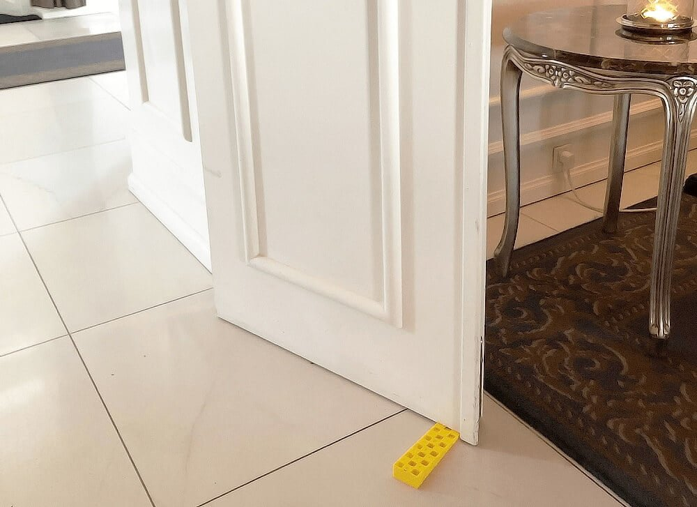 """PRESSEMEDDELELSE: Den gule """"dørstopper"""" fylder 50 år"""