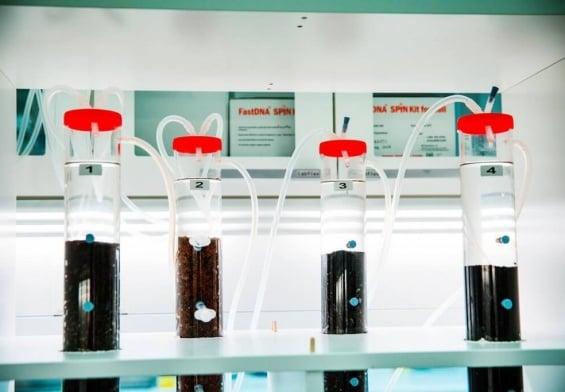 PRESSEMEDDELELSE: Ny bioteknologi skal bekæmpe forurenet drikkevand med vandværkets bakterier