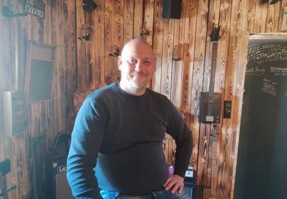 PRESSEMEDDELELSE: Brian arrangerer støttekoncert for at hjælpe udsatte børn og voksne