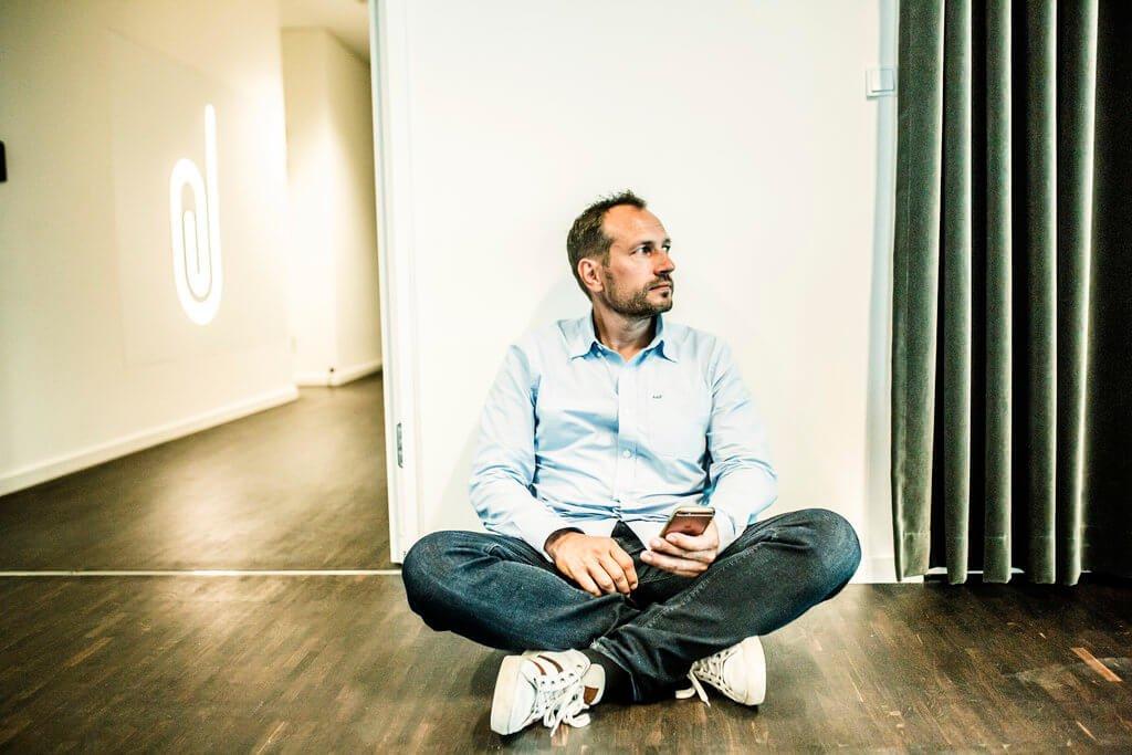 PRESSEMEDDELELSE: De små danske virksomheder har mistet en fjerdedel af omsætningen siden 11. marts