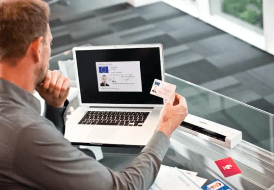 PRESSEMEDDELELSE: Kompakte scannere, man kan have med i lommen eller tasken