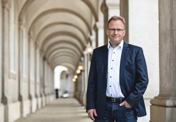 PRESSEMEDDELELSE: Landdistrikter – ros til Venstre for moms-forslag