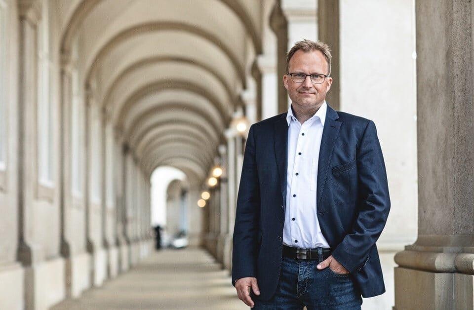 PRESSEMEDDELELSE: Landdistrikter sender ros til Venstre for moms-forslag