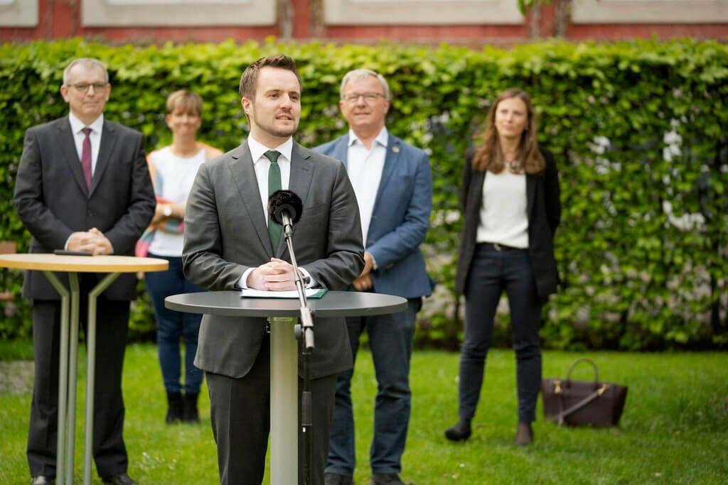 PRESSEMEDDELELSE: COVID-19 – partier bag aftale om hjælp til rejsebranchen nedsætter ekspertgruppe