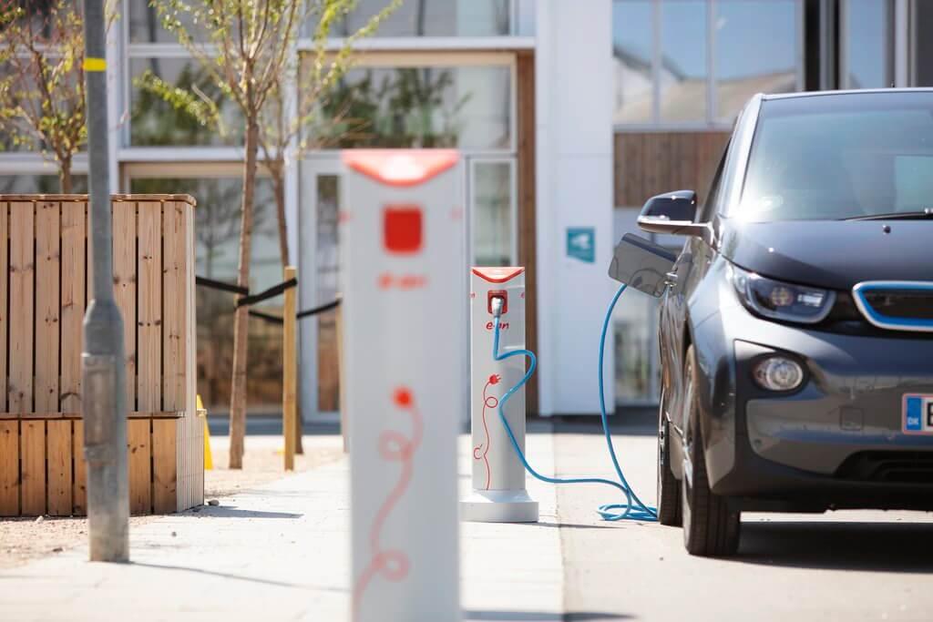 PRESSEMEDDELELSE: Kunderne har talt, E.ON lytter – nye ladeløsninger på vej til danske elbilster