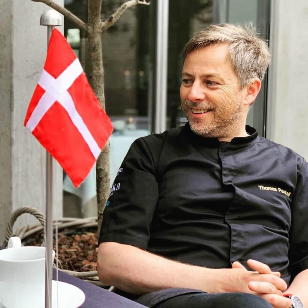 PRESSEMEDDELELSE: Tidligere Hofkok og Kokke legenden Thomas Pasfall fylder 50 år og får sin prinsesse på selve dagen