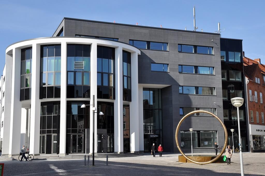 PRESSEMEDDELELSE: Hjørring Kommune indfører besøgsrestriktioner på alle plejehjem og botilbud for særlig sårbare i kommunen