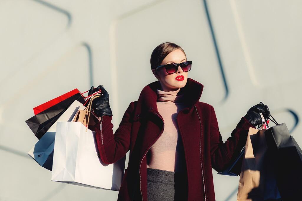 PRESSEMEDDELELSE: Tøjproducenter tvunget til nytænkning – sådan etableres webshop til slutkunden