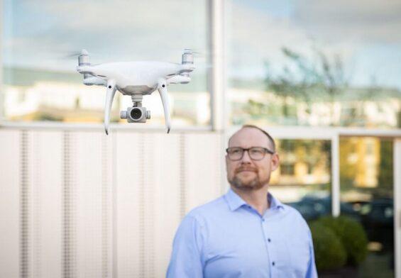 PRESSEMEDDELELSE – Droner får fast plads i servicevognen