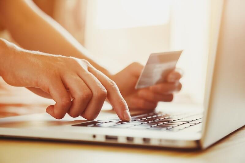 PRESSEMEDDELELSE – Sidste udkald for netbutikker for at leve op til nye EU-regler om sikker betaling