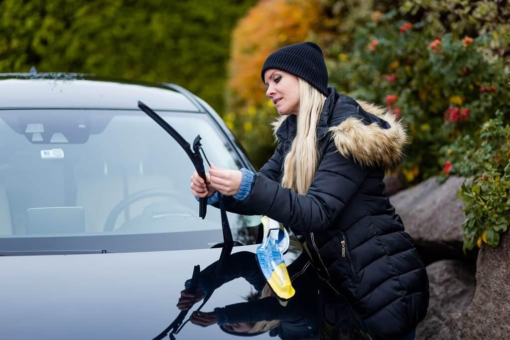 PRESSEMEDDELELSE – Frosten er hård ved bilen, så få her tre tips til bilpleje i kulden
