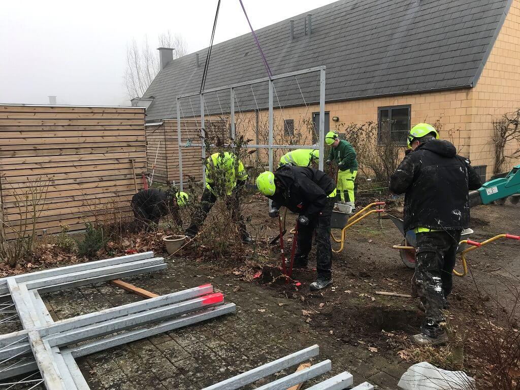 PRESSEMEDDELELSE – Samarbejdsprojekt i Jonstrup giver grønnere uderum og succesoplevelser i rygsækken