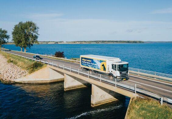 PRESSEMEDDELELSE – Nettos varer kører på gylle og madaffald pga. stor investering i biogas-lastbiler